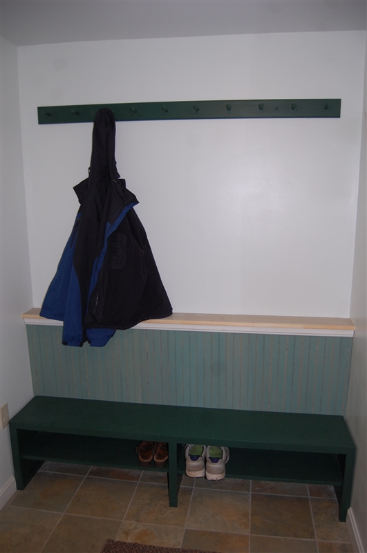 mudroom-boot-bench